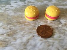 BARBIE DOLL HOUSE DIORAMA KITCHEN LITTLES HAMBURGER SESAME SEED BUN LOT OF 2