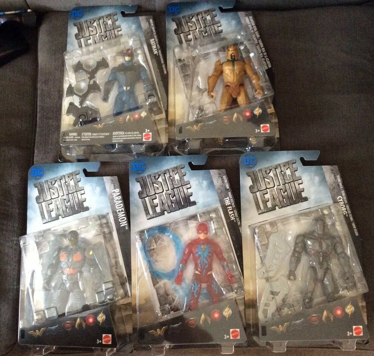 Mattel Dc Liga De La Justicia Figuras De Acción De Lote De (5) Sellado Batman, Cyborg, Flash, desfile