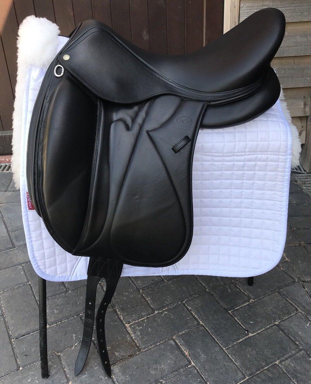 Devoucoux Makila s Dressage Saddle