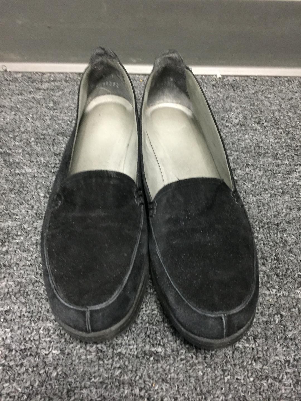 STUART WEITZMAN Casual Women's Black Suede Round Toe Slip On Casual WEITZMAN Loafers 8.5 B3885 f845cb