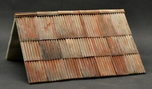 DioDump-DD116-C-Old-tin-roof-1-35-scale-resin-diorama-building-accessory
