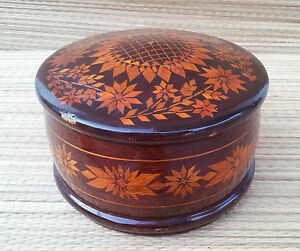 antigua-caja-de-madera-redonda-tipo-a-joyero-arte-pop-Rusa-french-antigua