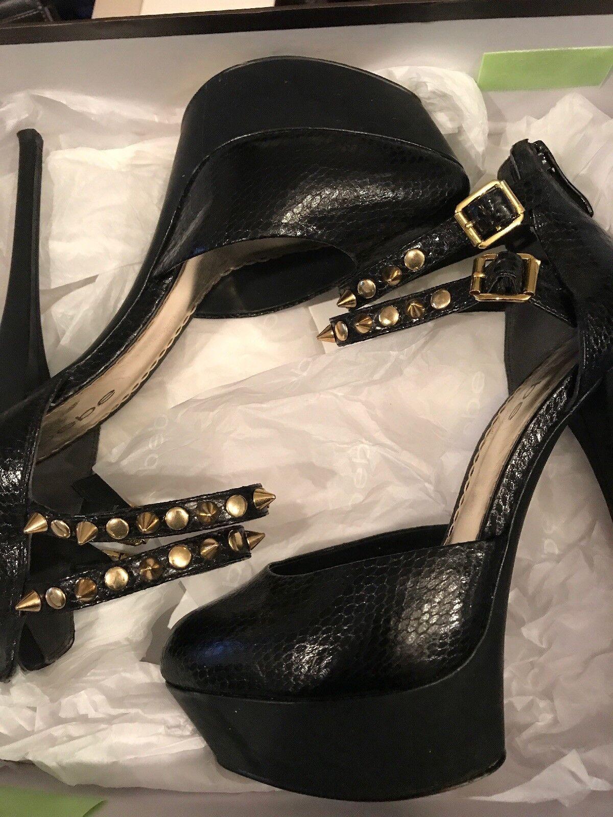 BEBE pour femme Noir Python Cuir Sky Haute Talon Aiguille Or Avec Rivets Taille 7