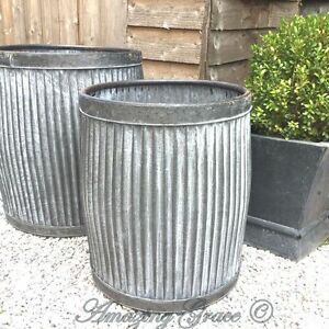 Vintage style round galvanised metal garden planter tub for Large metal tub for gardening