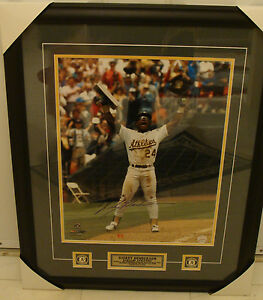 Oakland Athletics Rickey Henderson Signed Framed 16x20 Home Base Steal Photo