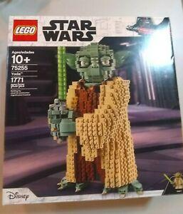 LEGO-Yoda-Star-Wars-TM-75255