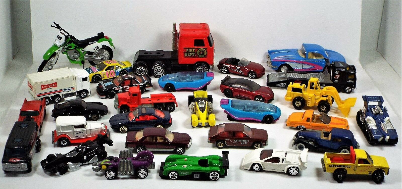 Lote de 1968-2001 Hot Wheels, Matchbox Diecast, Buddy L, Maisto, Lesney-rosso Baron