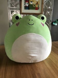 """2017 Valentines Day Squishmallows Large 16"""" Philippe Frog with Hearts"""