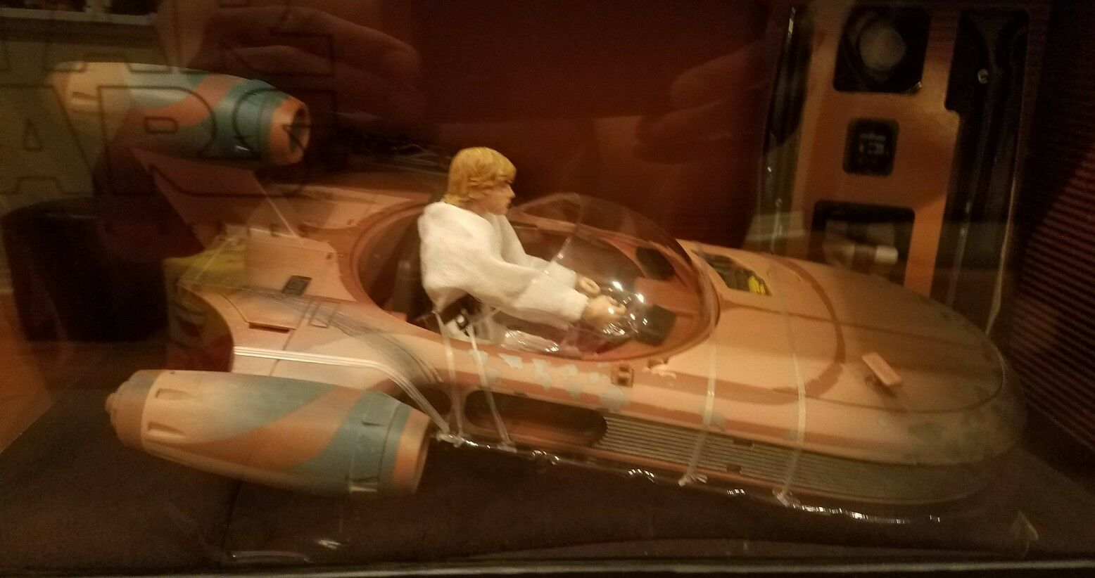 SDCC 2017 Hasbro Star Wars Luke Skywalker Landspeeder X-34