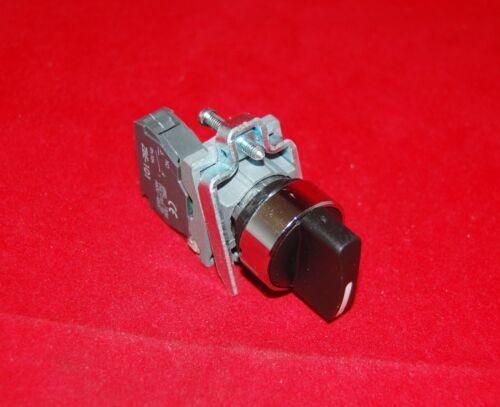 1PC 22mm Metal mantuvo seleccionar Selector 2 posiciones se adapta XB4 BD21 1NO