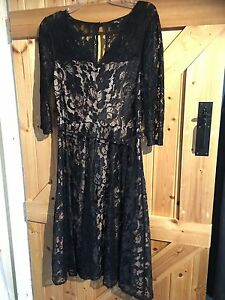 M-amp-Co-Black-Lacey-Dress-Size-10-Chest-32-034-34-034-Lovely-Party-Dress-Lined-Peach