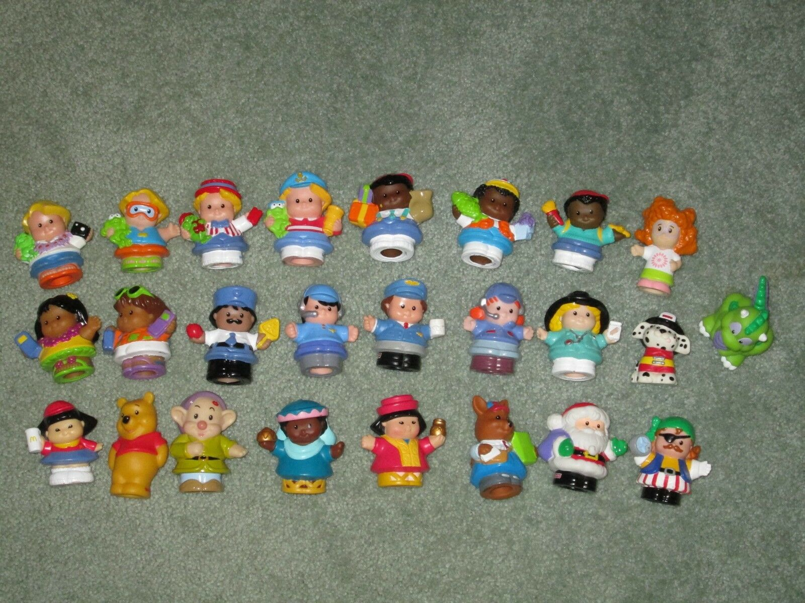 LOT of 25 LITTLE PEOPLE FIGURES MIXED THEME THEME THEME SOME RARE ALL DIFFERENT FREE SHIP 003df9