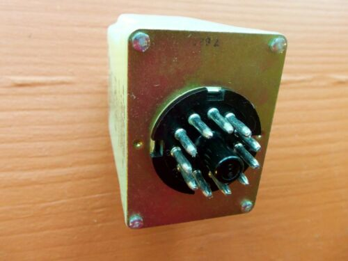Magnecraft W211CPSRX-1 Relay Time Delay On Release 0.1 to 10 Seconds 11-Pin