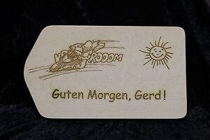 Fruehstuecksbrettchen-Holz-mit-Gravur-Schneidbrett-Vesperbrett-Wunschgravur