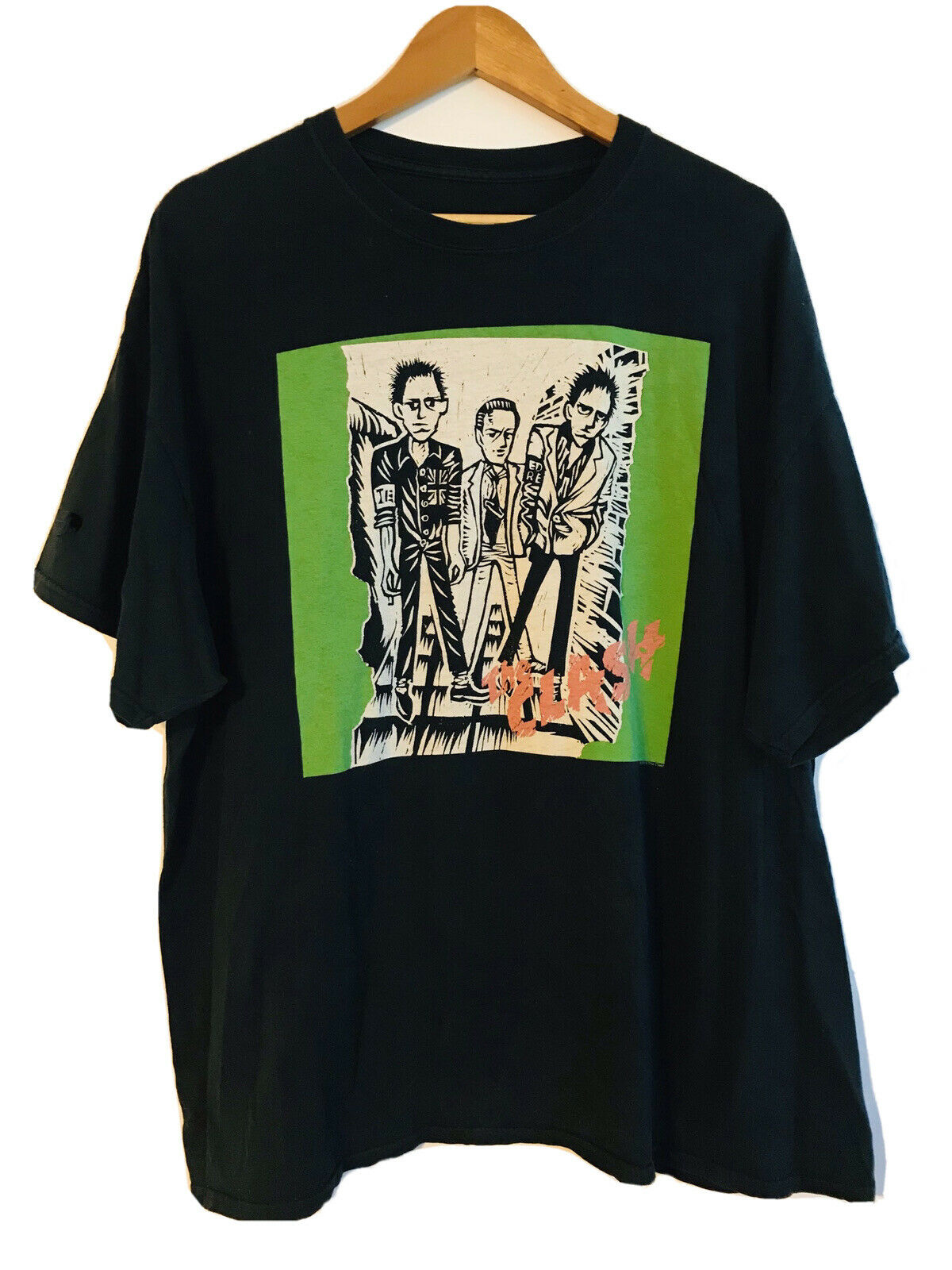 The Clash 3XL Distressed T Shirt not cd - image 1