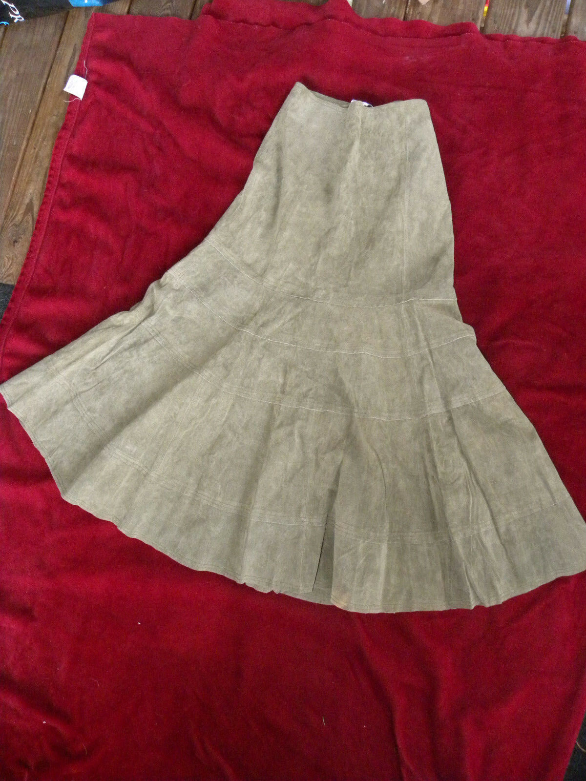 NWT Newport News Olive Womens Suede Leather Calf Length Flare Skirt Size 4-EB40