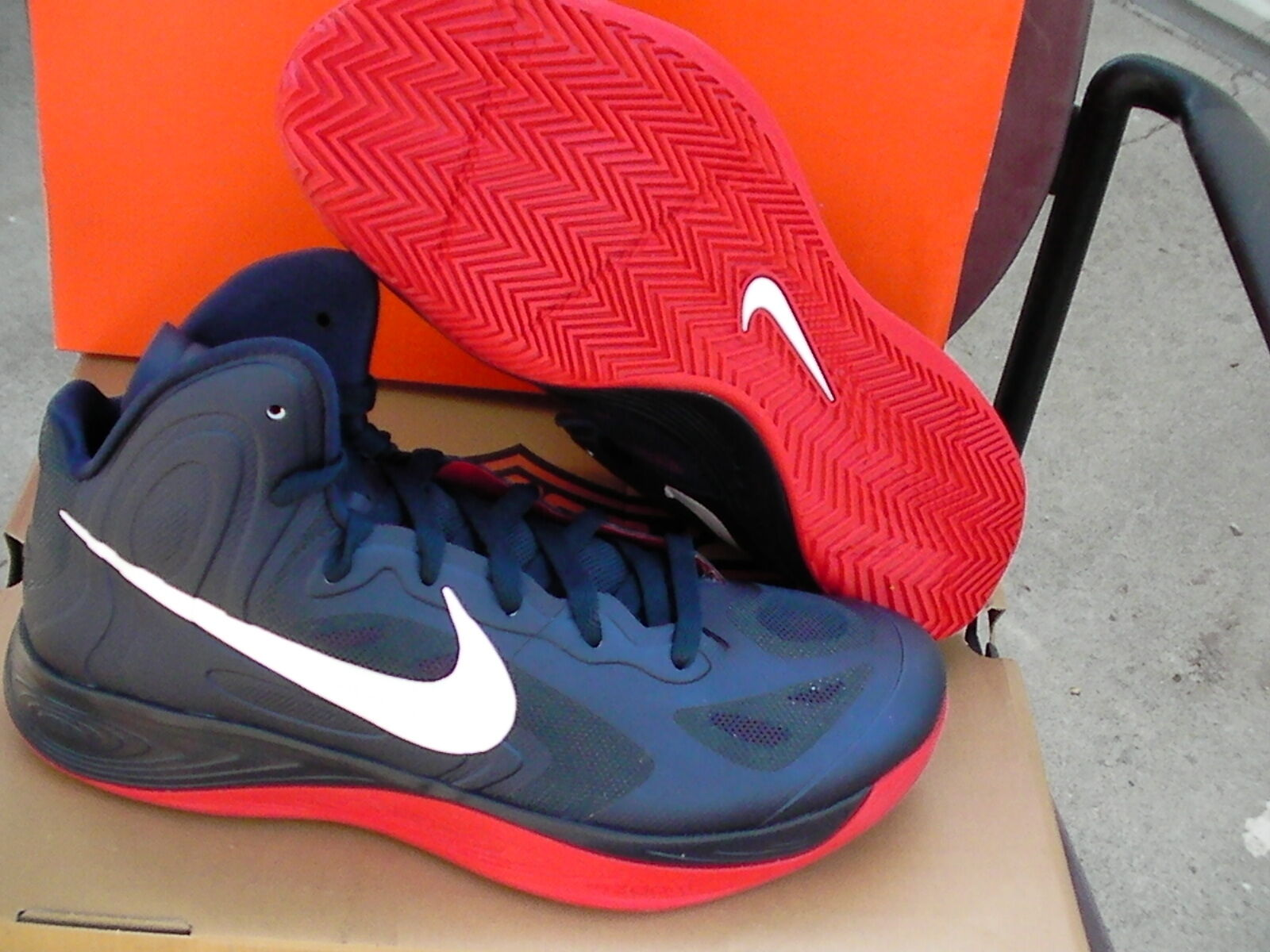 Nike hyperfuse light basketball  chaussures  Taille 9.5 us new obsidian color
