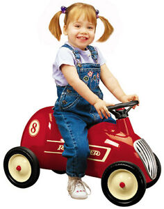 Radio-Flyer-8-Little-Red-Roadster-Ride-On-Car-Kids-Toy