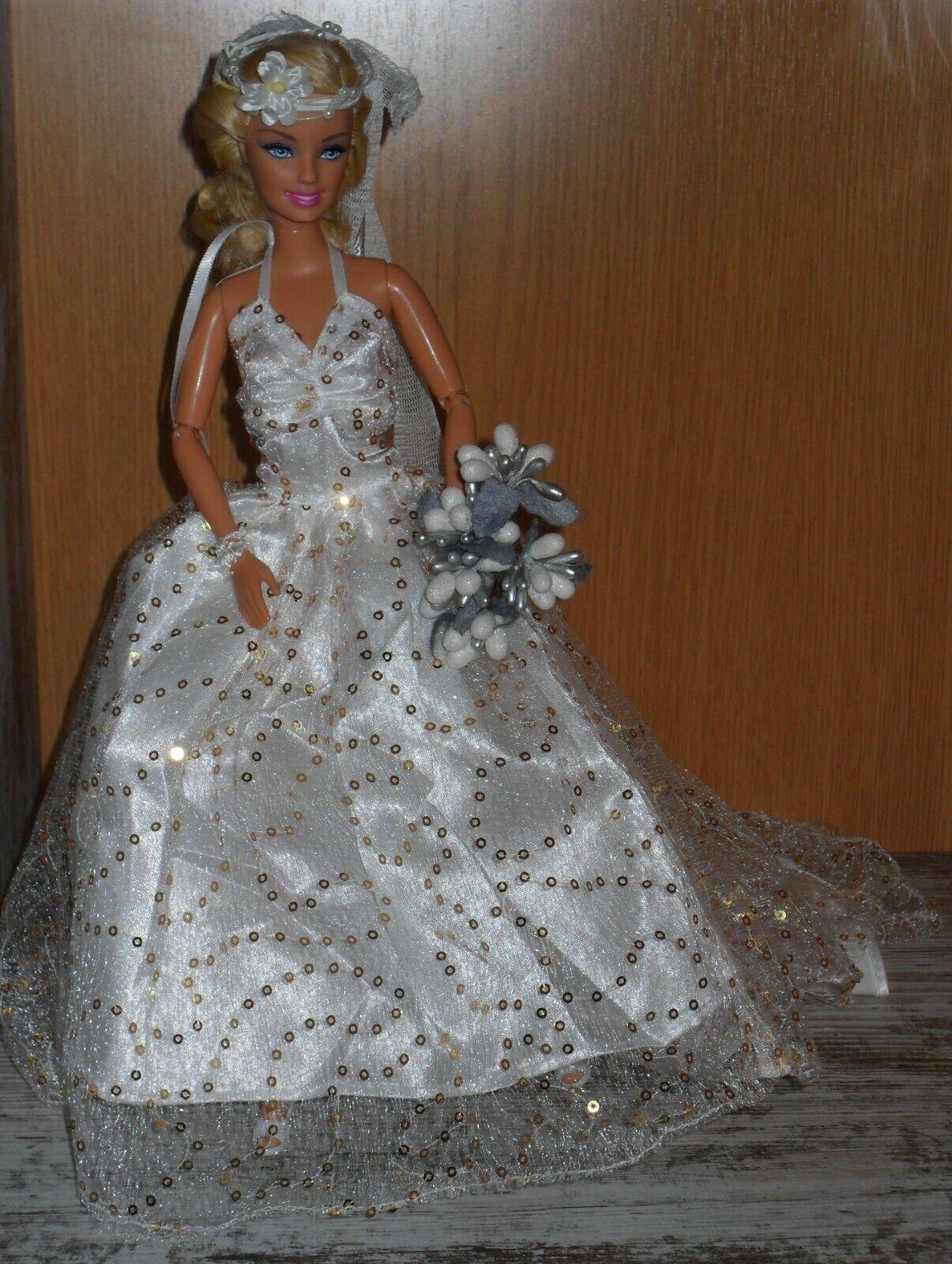 Muñeca Barbie mattel articulada con Vestido de Novia, accesorios, peana, boda