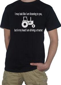 Trattore-I-puo-apparire-come-IM-ascolto-ma-nella-mia-testa-Divertente-T-shirt-di-allevamento