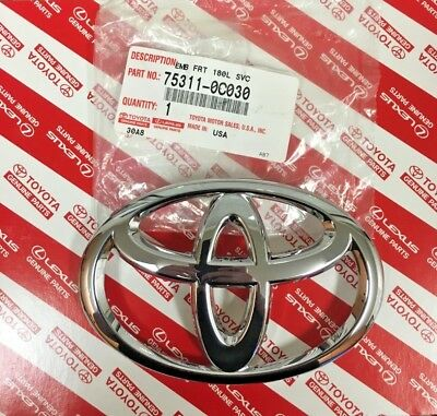 TOYOTA TUNDRA 99-02 SEQUOIA 01-04 FRONT GRILLE EMBLEM GENUINE 753110C010 NEW
