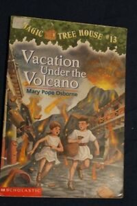 Vacation Under the Volcano (Magic Tree House, No. 13) by ...