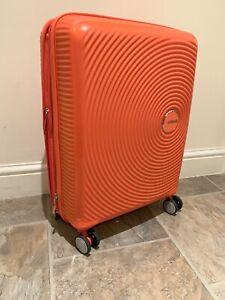 American-Tourister-Soundbox-Spinner-extensible-55-cm-35-5-41-L-Orange