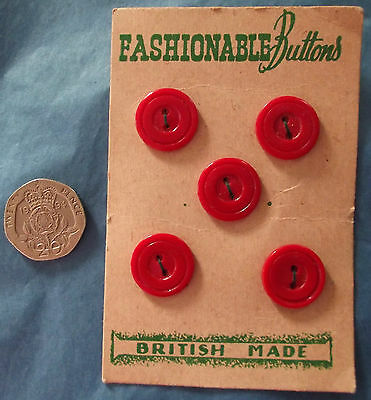 5 vintage red buttons on original card FASHIONABLE BUTTONS British made 5/8""