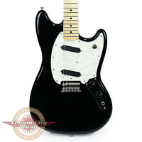 Brand Fender Mustang With Maple Fingerboard In Black