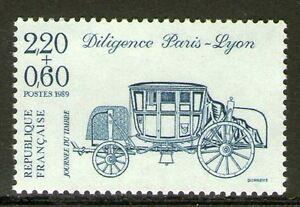 TIMBRE-N-2577-NEUF-XX-LUXE-DILIGENCE-PARIS-LYON