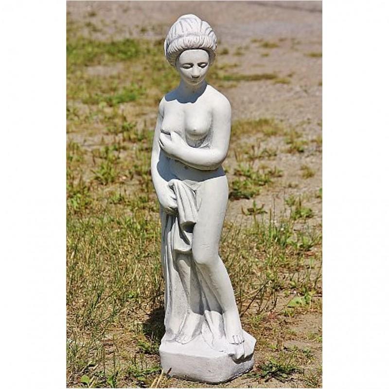 Steinfigur Putte Frau mit Tuch