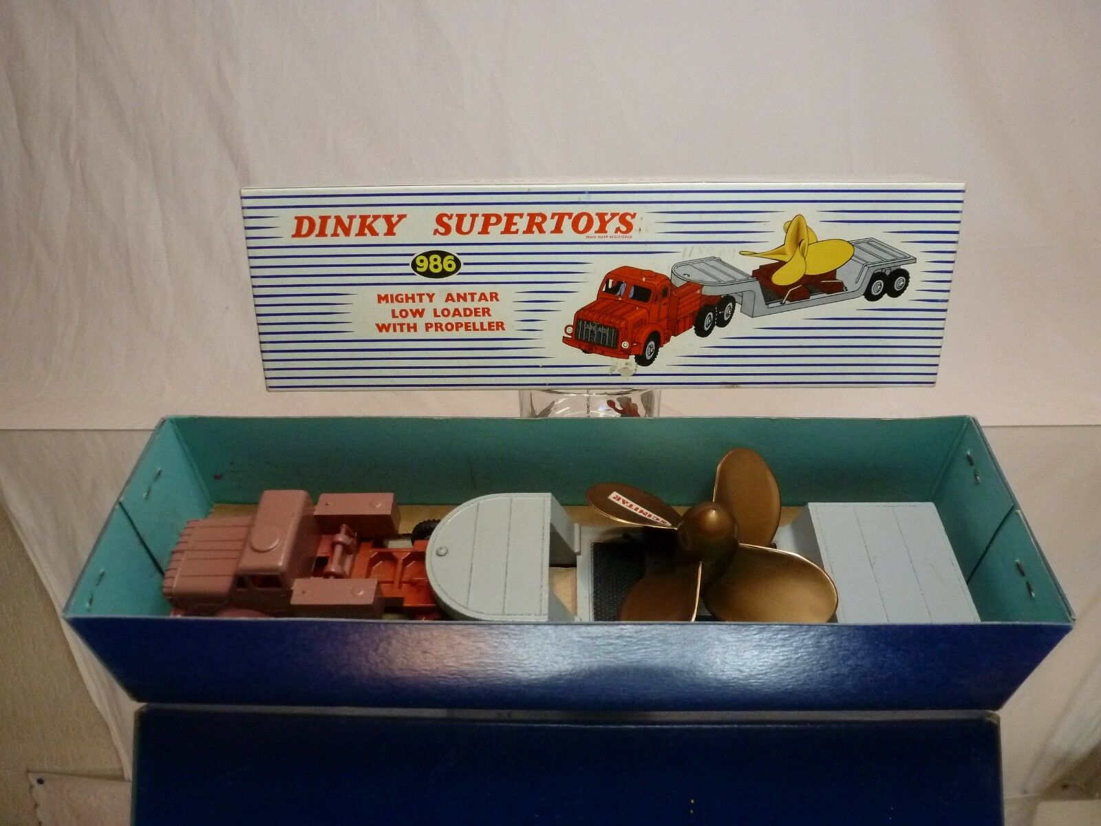 DINKY TOYS 986 MIGHTY ANTAR LOW LOADER + PROPELLER - RARE - VERY GOOD IN BOX