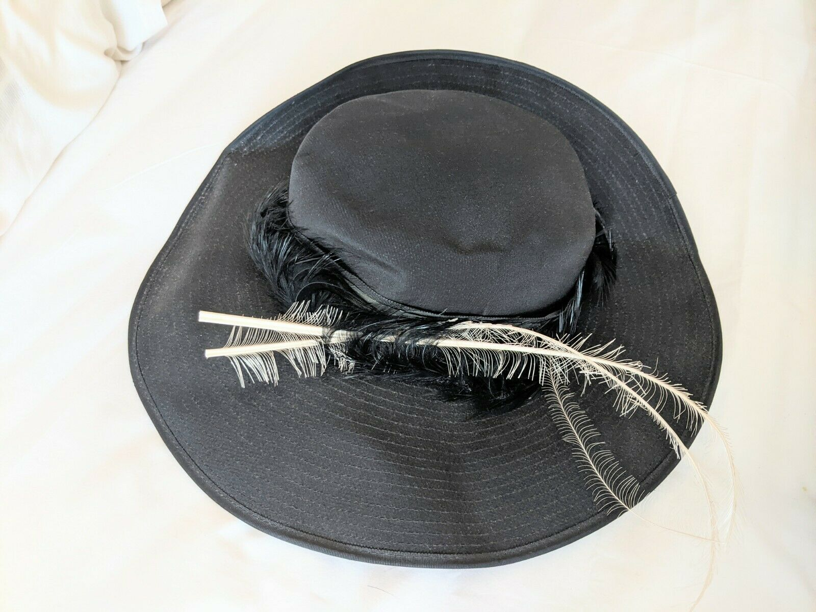 Philip Somerville Classic Fascinator Style Hat Black Hat Incl. Feathers