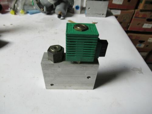 320508 Compact Controls Coil 10VDC W// Walvoil Block Valve 70080-6.5 New