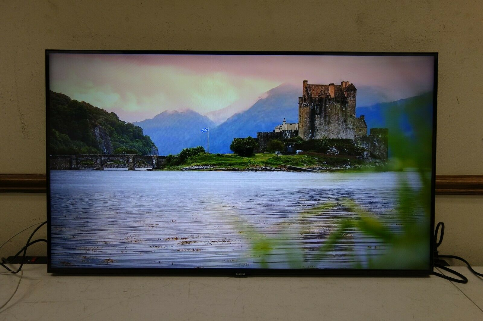 Samsung - 43 Class 8 Series LED 4K UHD Smart Tizen TV(AR11). Available Now for 279.99