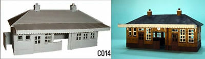 Dapol C014 - Station Booking Hall - 00 Gauge Plastic Kit - 1st Class Post Numerosi In Varietà