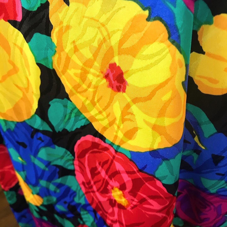 SPRING FLORALS 1980's 80s Vintage Pinup Floral Fl… - image 3