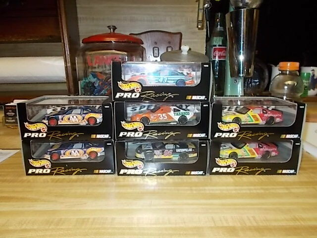 Lot of 5 Hot Wtalons NASvoiture Die-Cast voiture 1 43  Pro Racing Select Petty Burton 1997  connotation de luxe discret