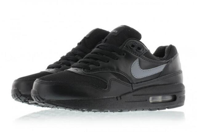 sports shoes 0c348 09cd1 NEW Nike Air Max 1 GS Junior Kids Boys Running Sports Gym Shoes Trainers -  Black