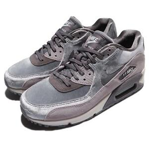 nike air max 90 velvet trainers