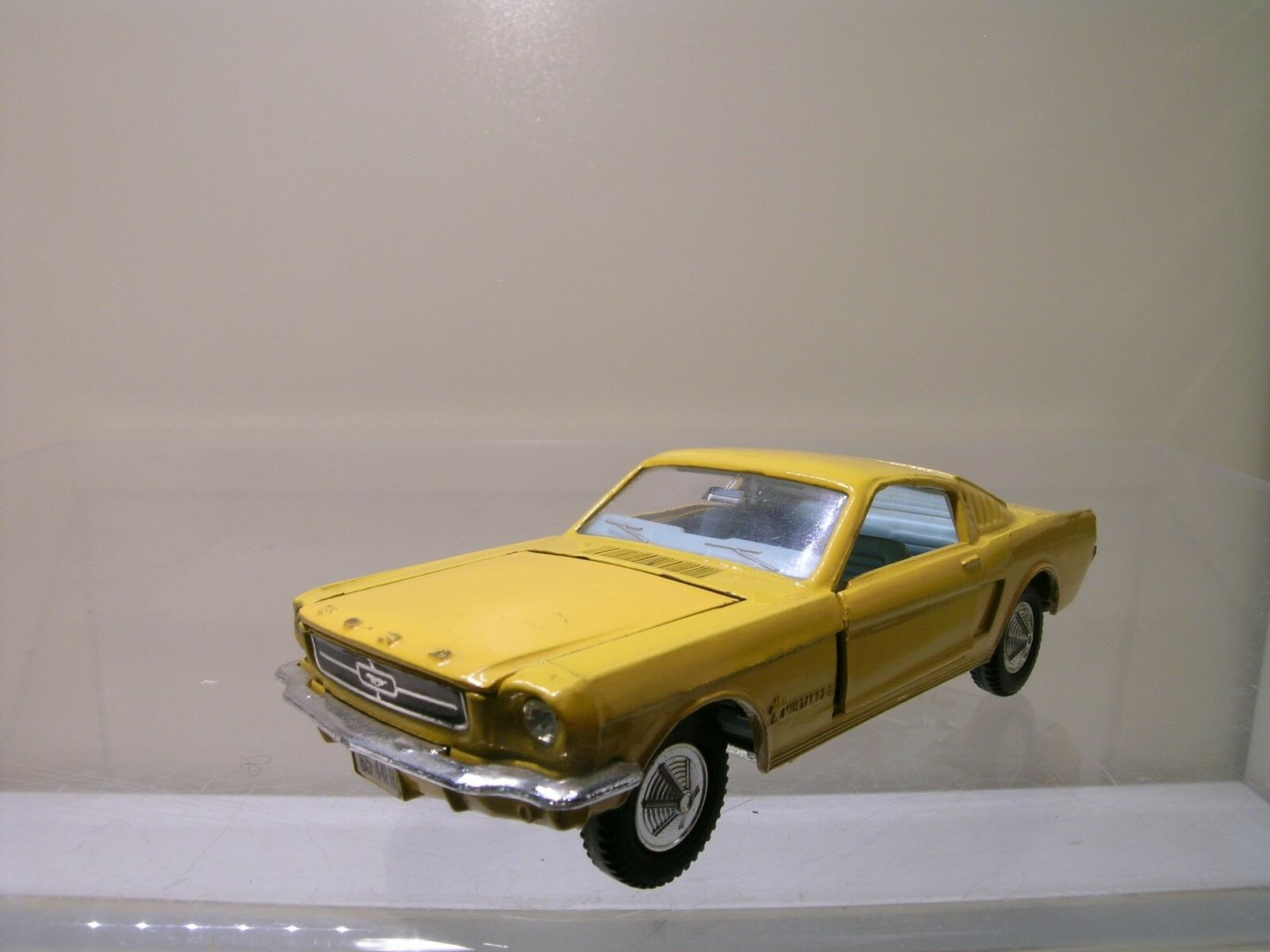 DINKY giocattoli FORD MUSTANG FASTBACK DEEP gituttio SautoCE COLOUR EXCLNM 1 43