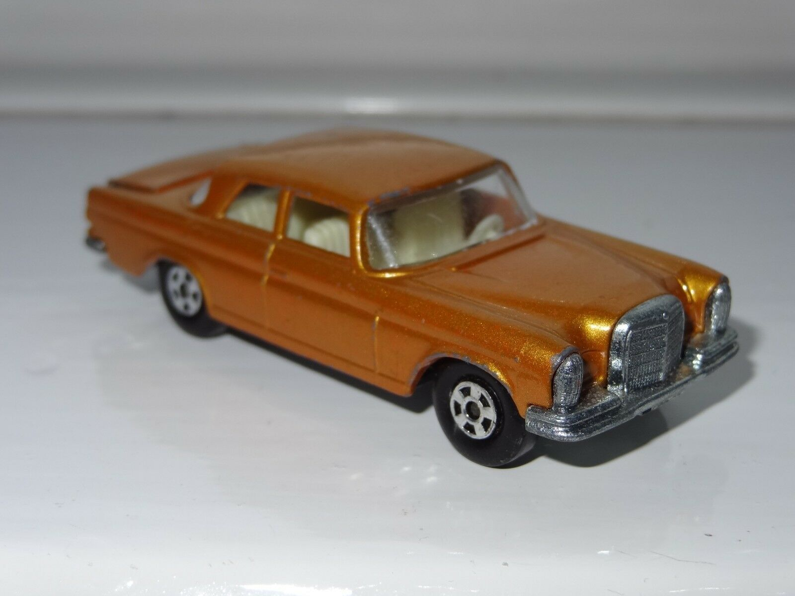(G) matchbox lesney MERCEDES 300SE - 46