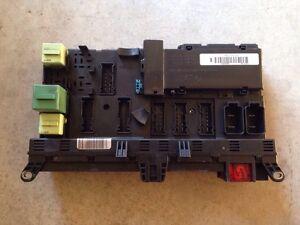 bmw x5 e53 00 06 oem main fuse box fusebox relay module. Black Bedroom Furniture Sets. Home Design Ideas
