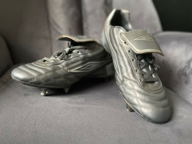 Mens Classic / Retro Umbro Andes SG Football Boots Size UK 11