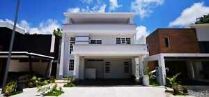 Casa de lujo nueva en Residencial Cumbres  New luxurious home