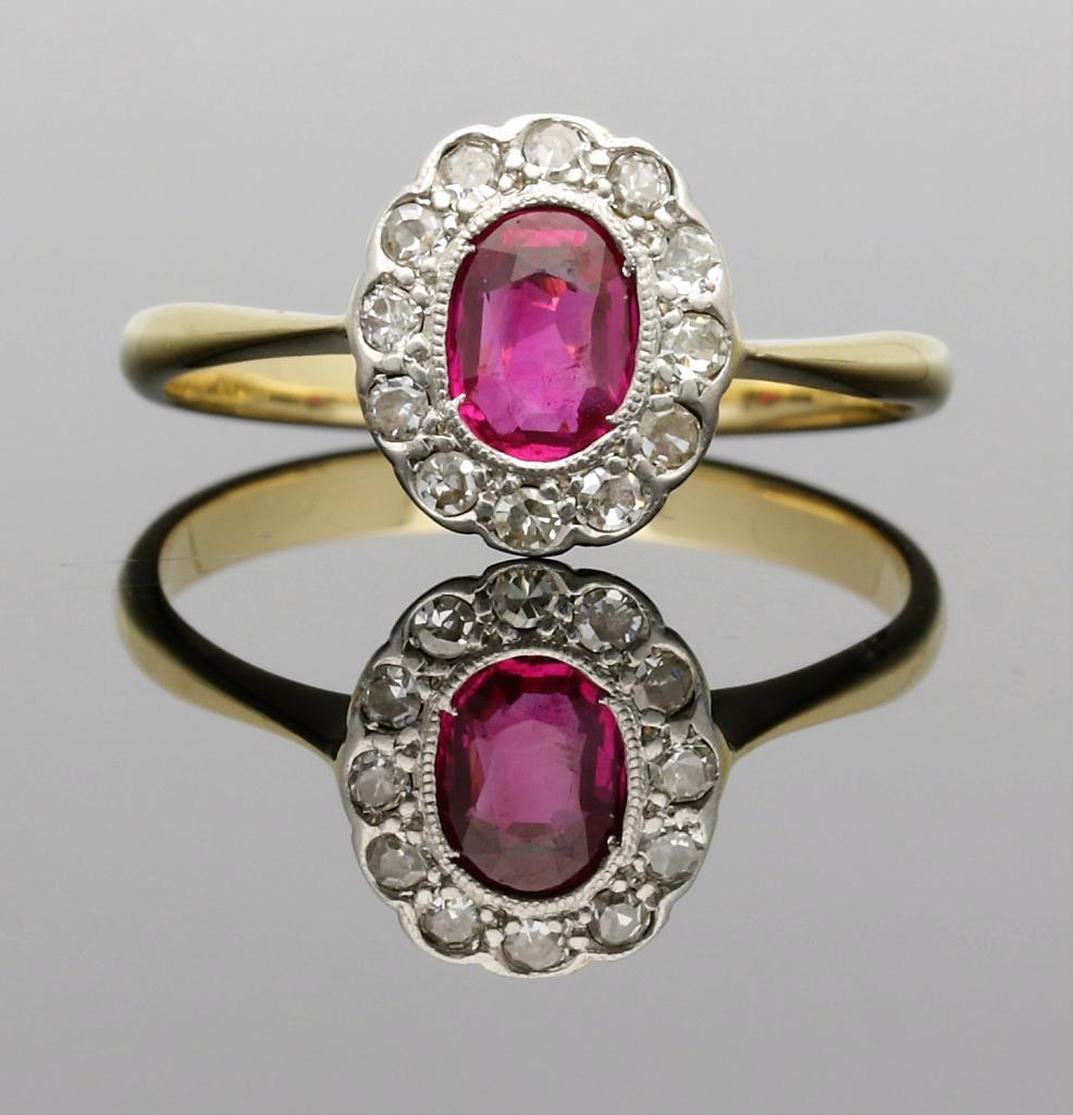 VINTAGE VINTAGE VINTAGE 18CT oro RUBY & Diamante Classica Anello Di Cluster - 1920 1930s 7834d2
