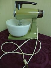 Vintage Sunbeam Mixmaster Avocado Green Works Runs Beaters Bowl handmixer parts