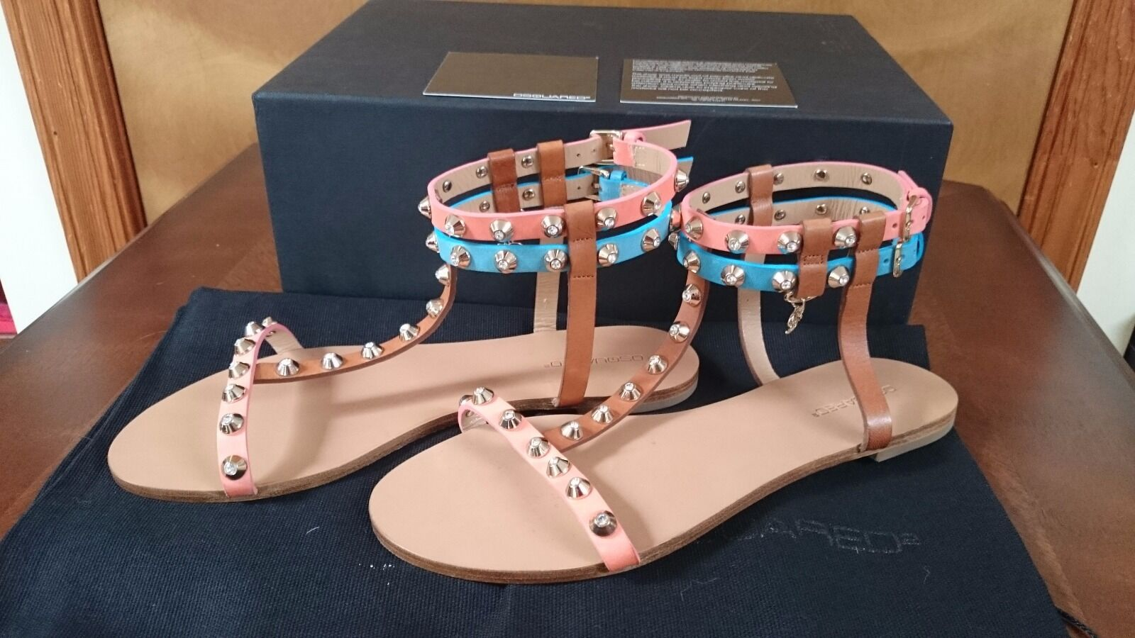 DSQUArosso2 Vacchetta Vega Doppia  Ankle Strap -Rhineston Studi Flat Sandal 7.5  migliore offerta