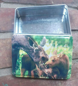 Alaska-Tin-Box-Momma-Moose-with-her-babies-on-lid-With-love-from-Alaska-NICE