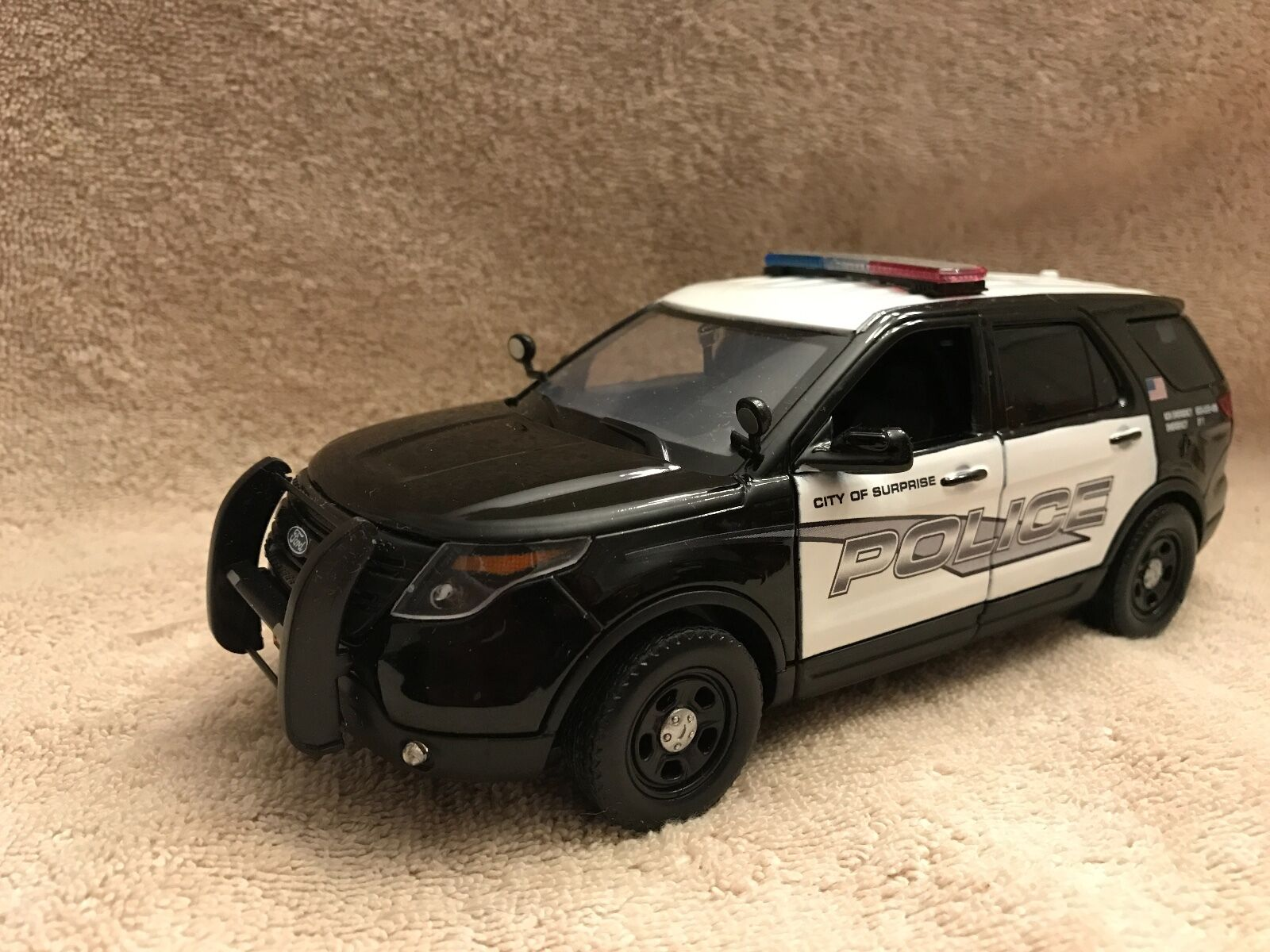 1 24 SCALE SUPRISE ARIZONA PD FD EXPLORER  UT MODEL WITH WORKING LIGHTS SIREN